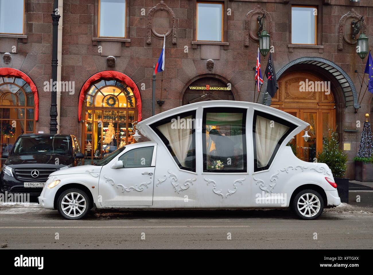 SAINT PETERSBURG, RUSSIA - 12 JANUARY 2017: Wedding limo - coach near the hotel Astoria Stock Photo