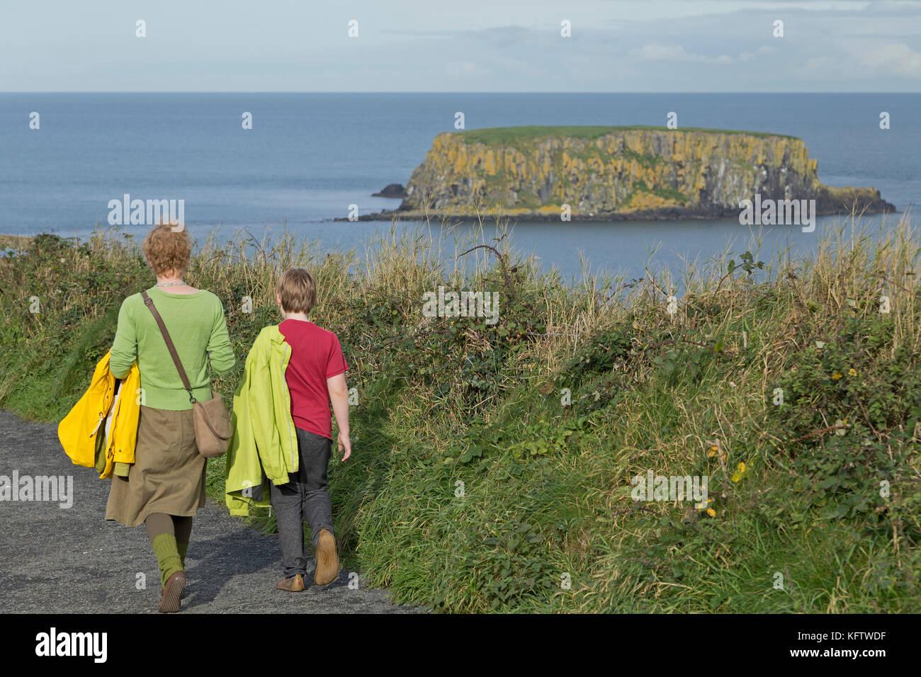 Sheep Island, Carrick-a-Rede Rope Bridge, Ballintoy, Co. Antrim, Northern Ireland - Stock Image