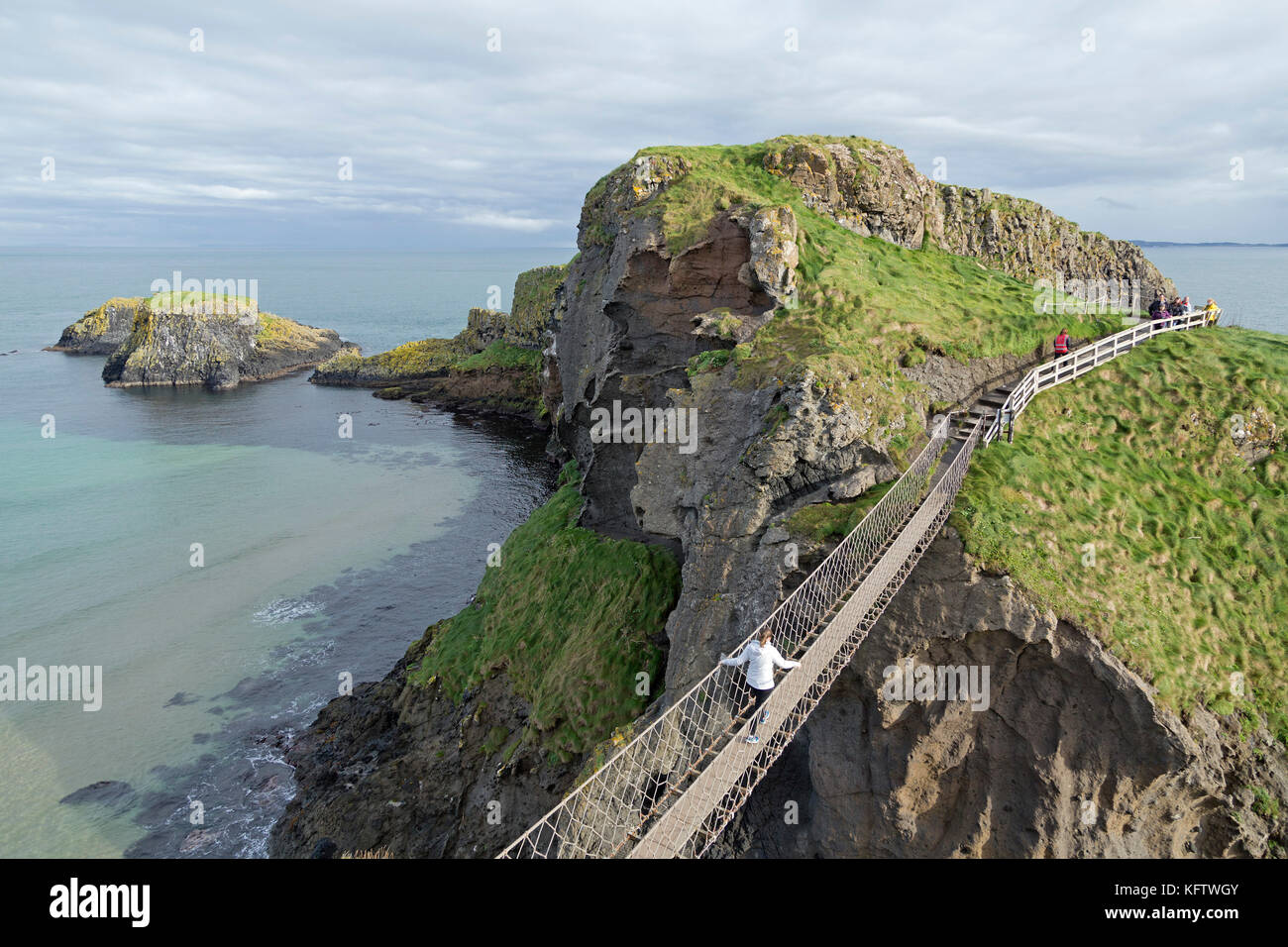Carrick-a-Rede Rope Bridge, Ballintoy, Co. Antrim, Northern Ireland - Stock Image
