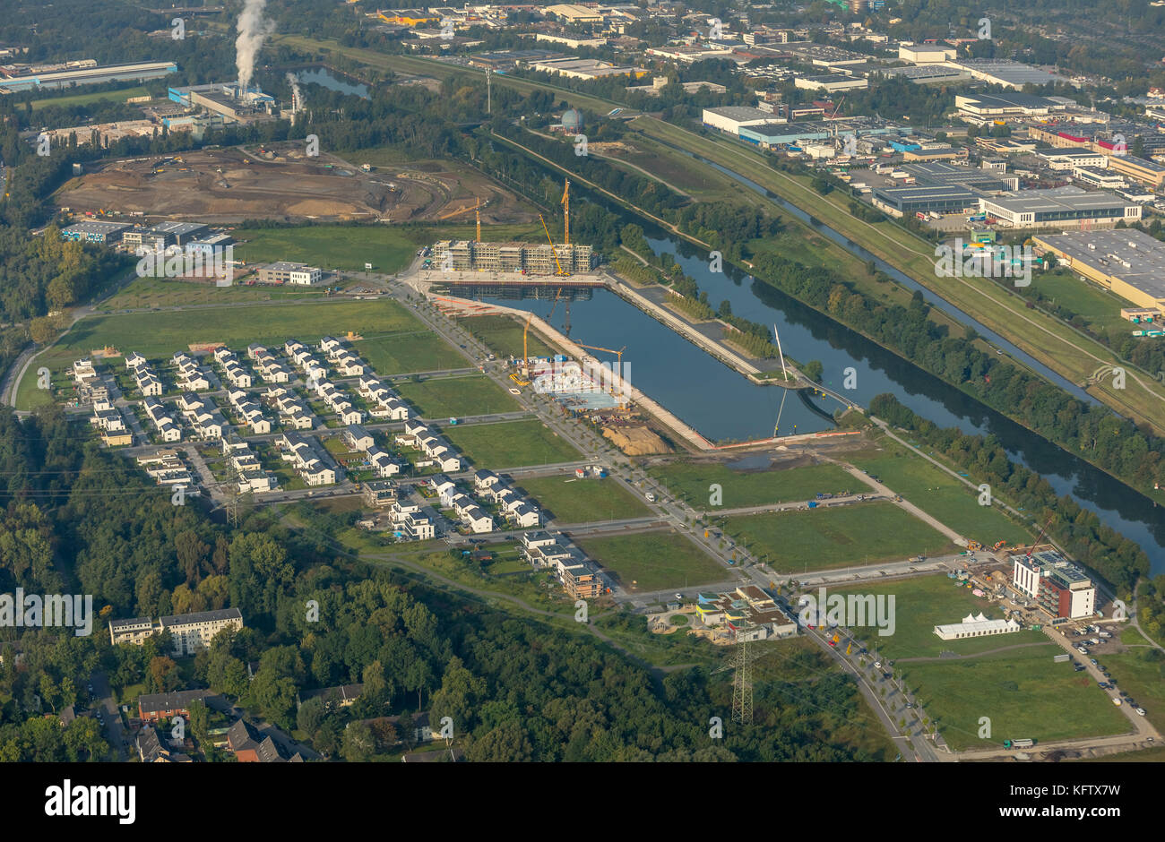 Neubausiedlung Count Bismarck, semi-detached houses, residential property, Count Bismarck, Marina Rhine-Herne Canal, Stock Photo