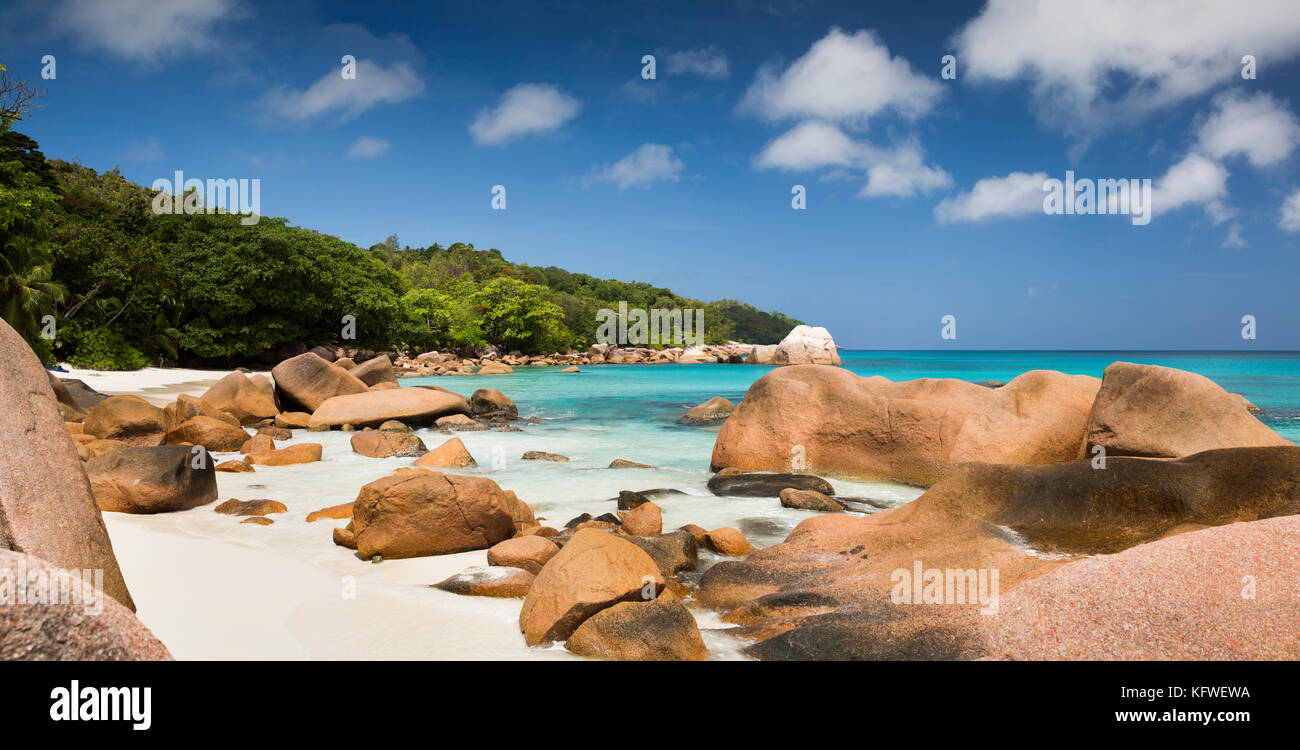 The Seychelles, Praslin, Anse Lazio, beach, granite rocks sculpted by sea, panoramic - Stock Image