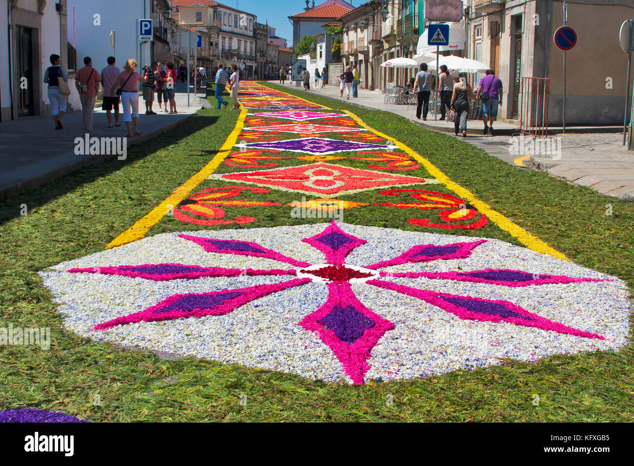 Caminha portugal celebrations of the religious holiday of corpus stock photo 164696761 alamy - Alfombras portugal ...