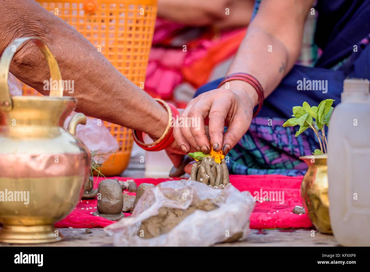 Indian Chanting Stock Photos & Indian Chanting Stock Images - Alamy