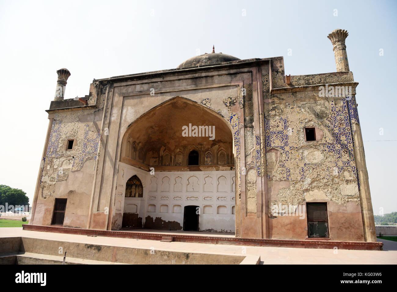 Chini ka Rauza in Agra. Chini ka Rauza is the tomb of Allama Afzal Khan Mullah, a scholar and poet who was the Prime - Stock Image