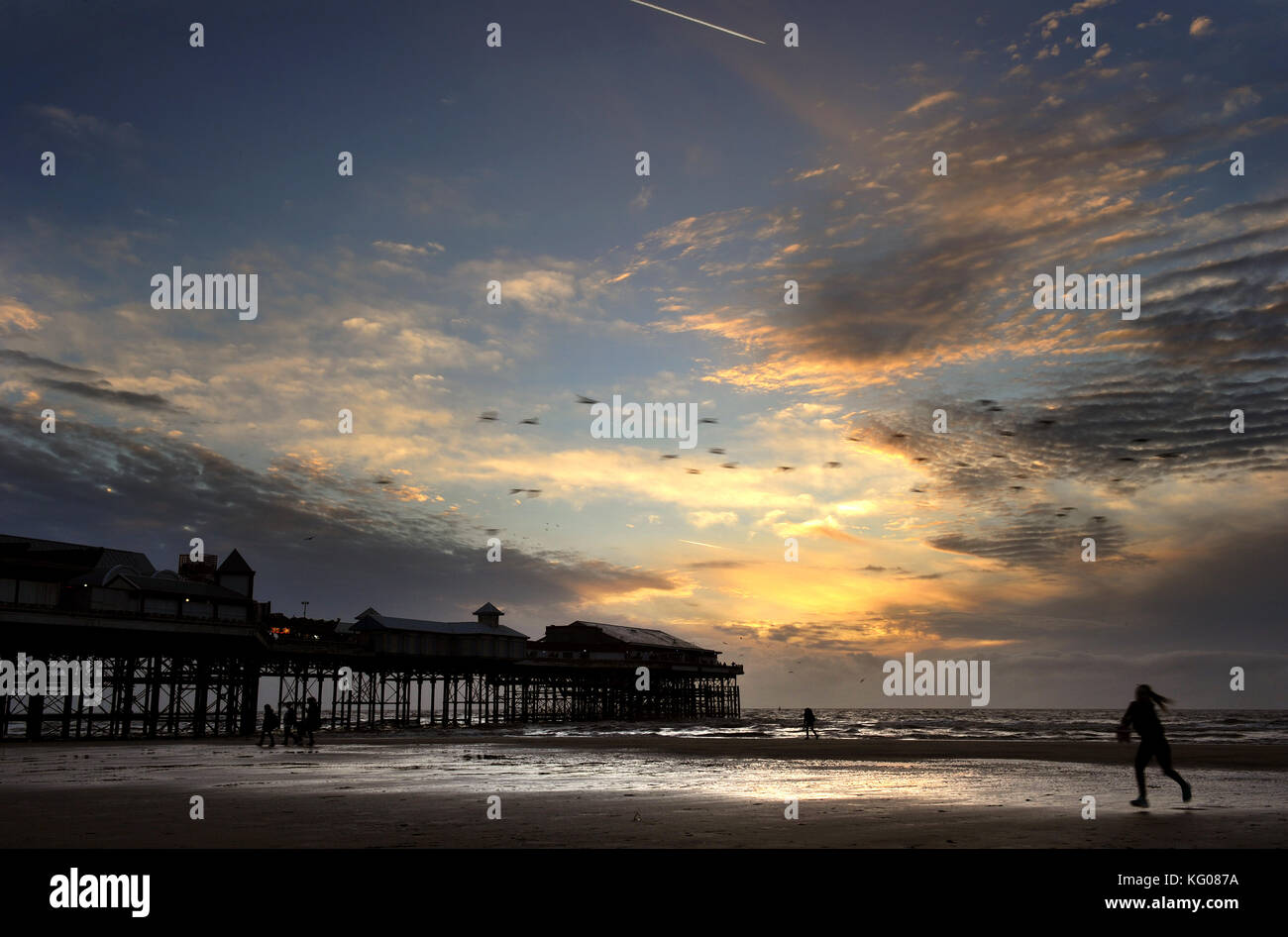 Sunset over the central pier in Blackpool, Lancashire UK. Picture by Paul Heyes, Wednesday October 25, 2017. - Stock Image