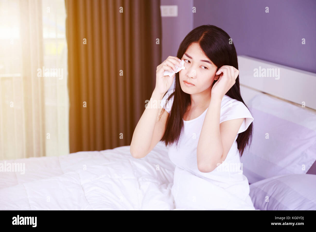 woman crying in bed woman crying bed alone stock photos woman crying bed 7517