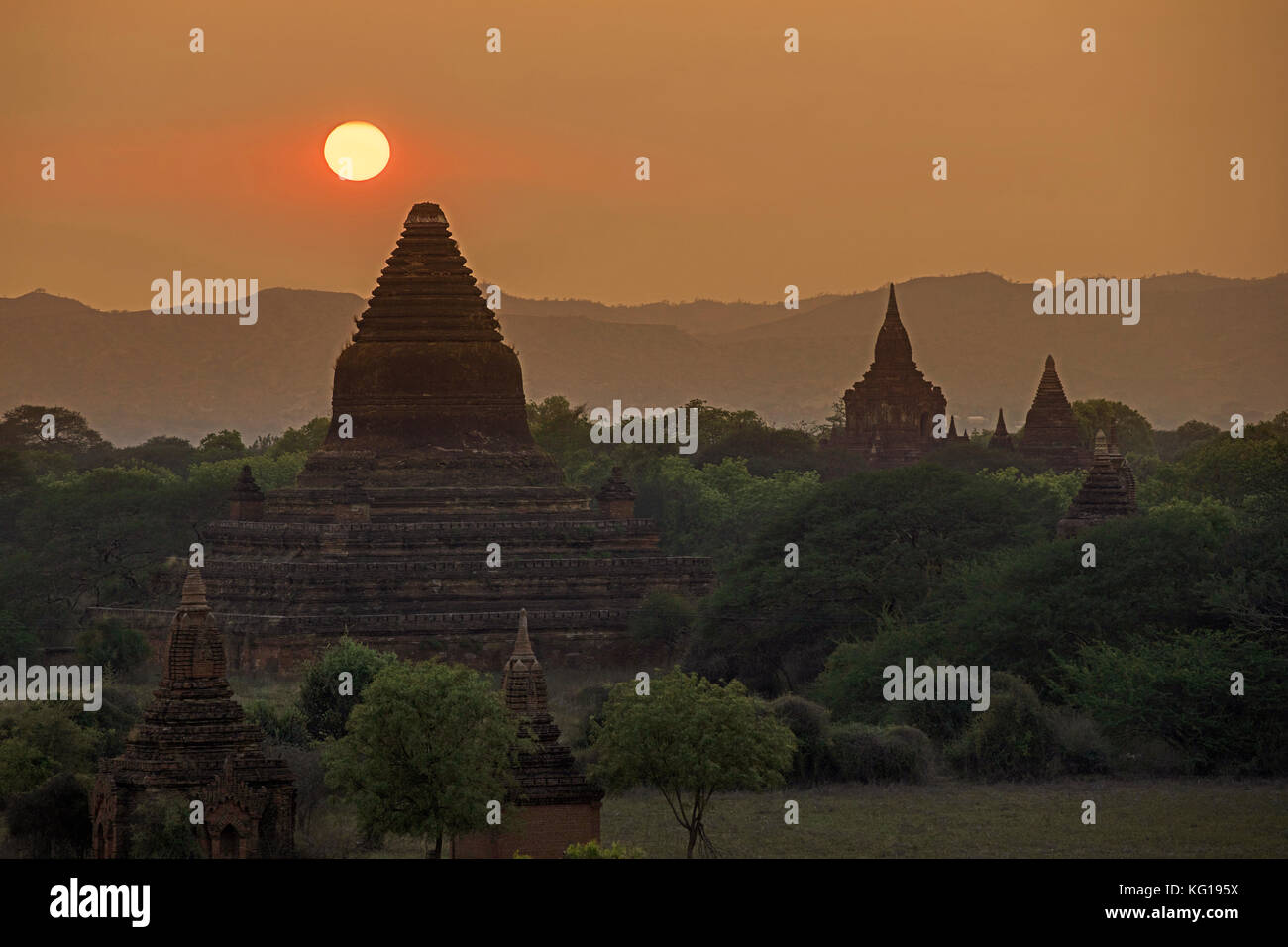 Buddhist temples and pagodas at sunset in the ancient city Bagan / Pagan, Mandalay Region, Myanmar / Burma Stock Photo