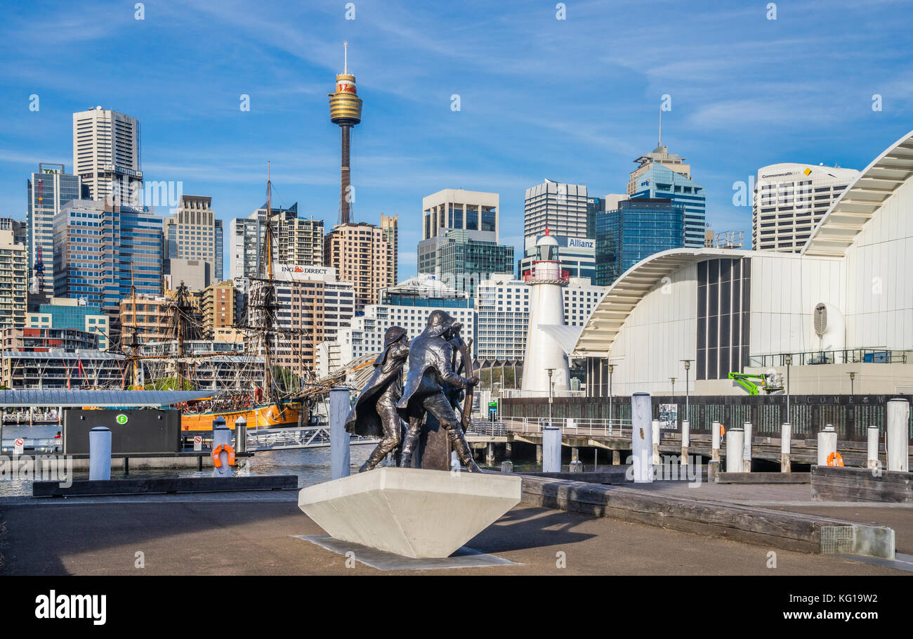 Australia, New South Wales, Sydney, Darling Harbour, Pyrmont Bay, bronce sculpture to celebrating windjammer sailors - Stock Image