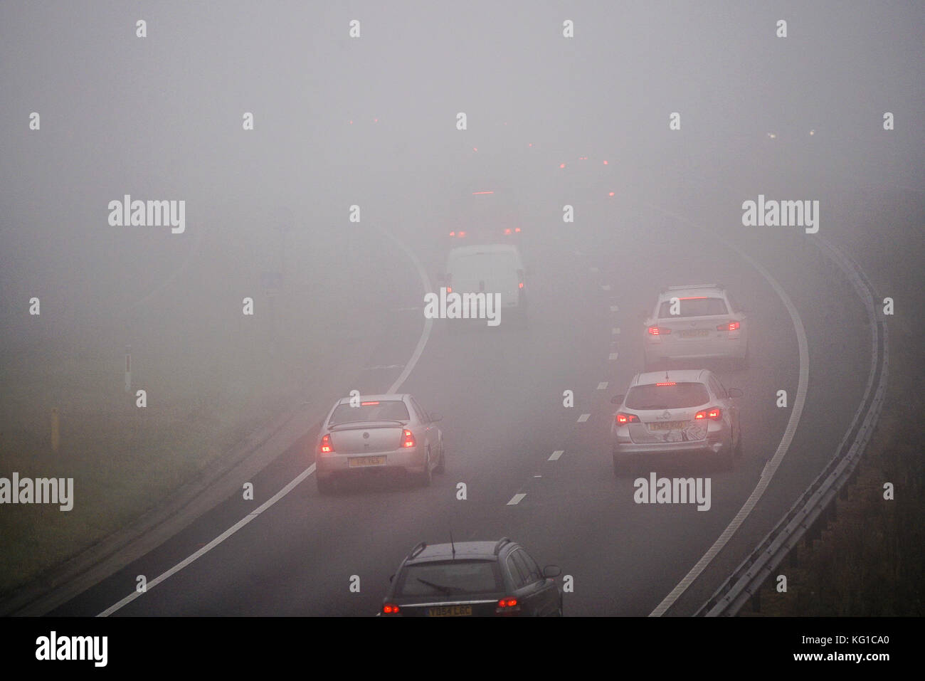 Lower Mousehill Lane, Milford. 2nd Nov, 2017. UK Weather. High pressure anticyclonic conditions caused overnight - Stock Image