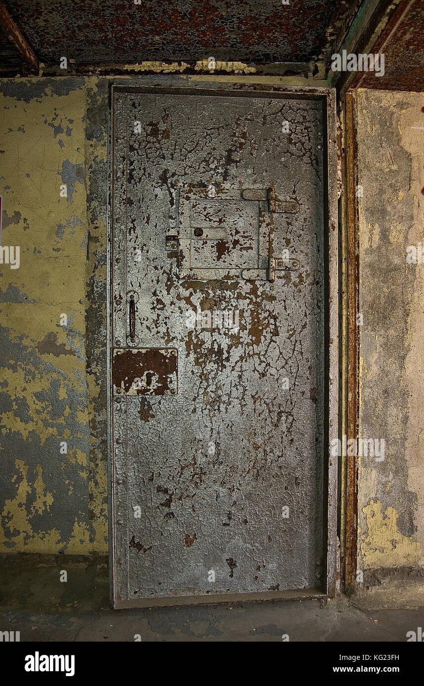 Heavy Steel Door In An Old Jail Stock Photo: 164774501   Alamy