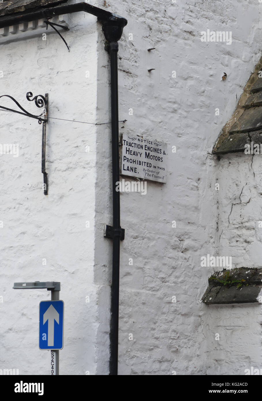 Sign saying 'Notice Traction Engines and Heavy Motors Prohibited in this Lane. By order of the Council.' Cow Lane, - Stock Image