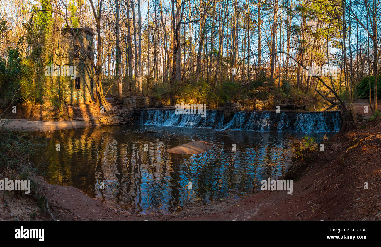 Panoramic view of the spillway waterfall and the tower in the Lullwater Park, Atlanta, USA Stock Photo