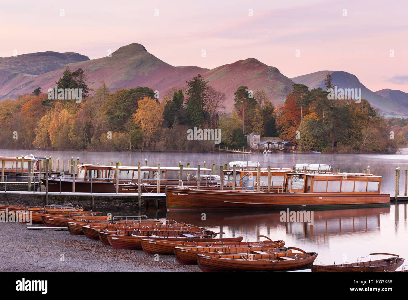 Early morning view of Derwent Water and Catbells in late autumn - Stock Image