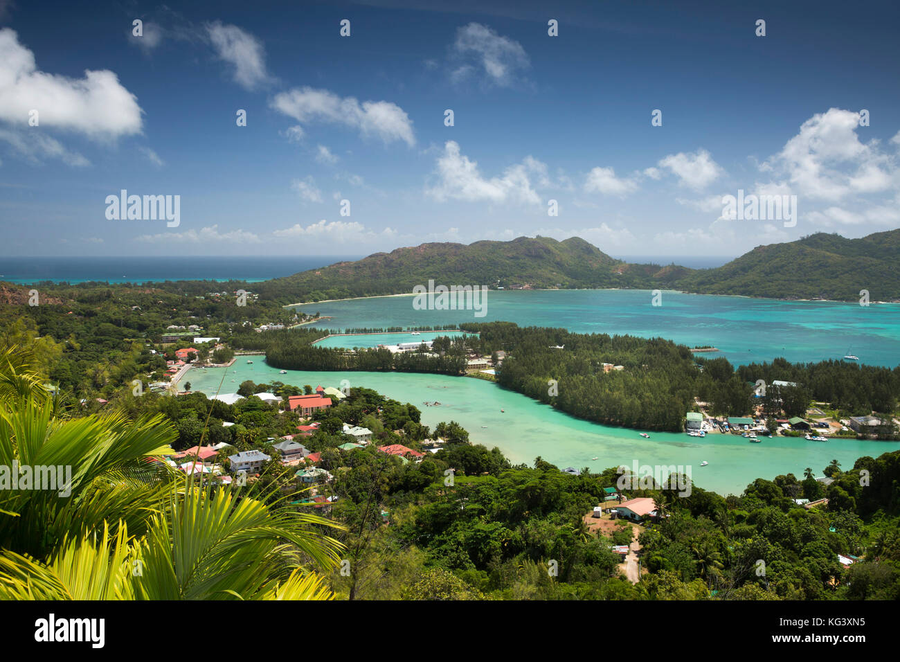 Sey335The Seychelles, Praslin, Baie St Anne elevated view from Fond Ferdinand Nature Reserve - Stock Image
