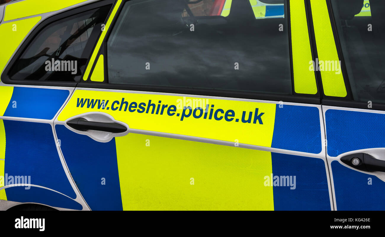 KNUTSFORD, CHESHIRE - FEB 2: Exterior view of British police car parked  Feb 2nd, 2016 in Cheshire, UK. Served by - Stock Image
