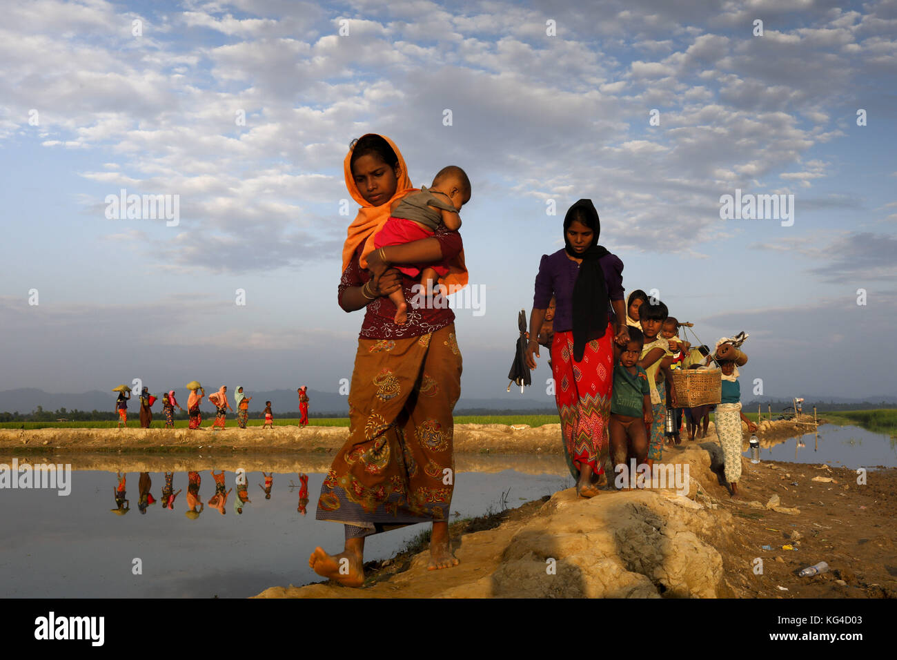 According to the UNHCR 607, 000 Rohingya refugees have fled from Myanmar Rakhine state violence since 25 August - Stock Image