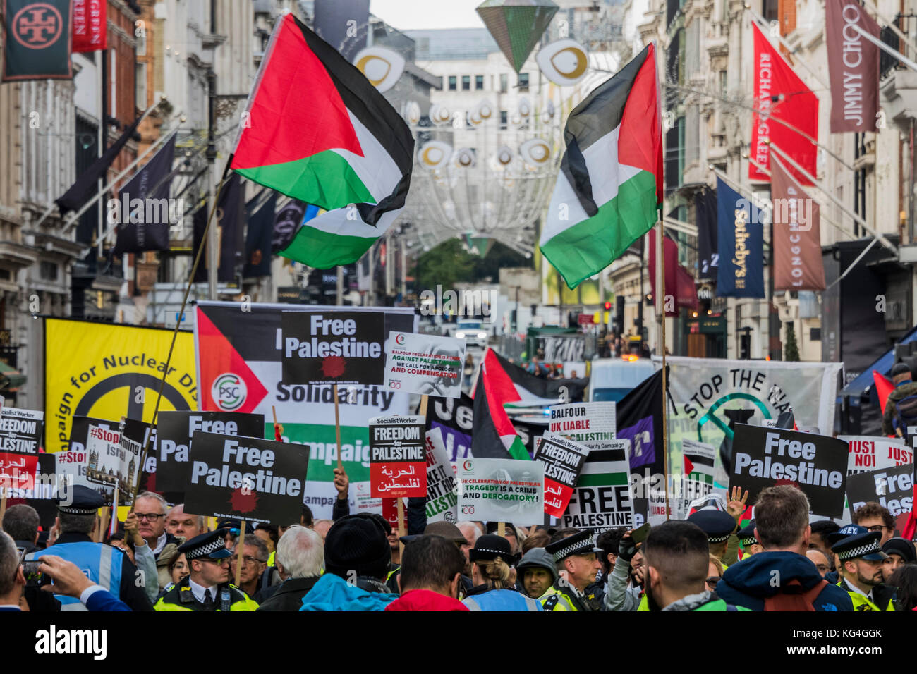 London, UK. 04th Nov, 2017. National Palestine March and Rally - Justice Now: Make it right for Palestine. As the - Stock Image