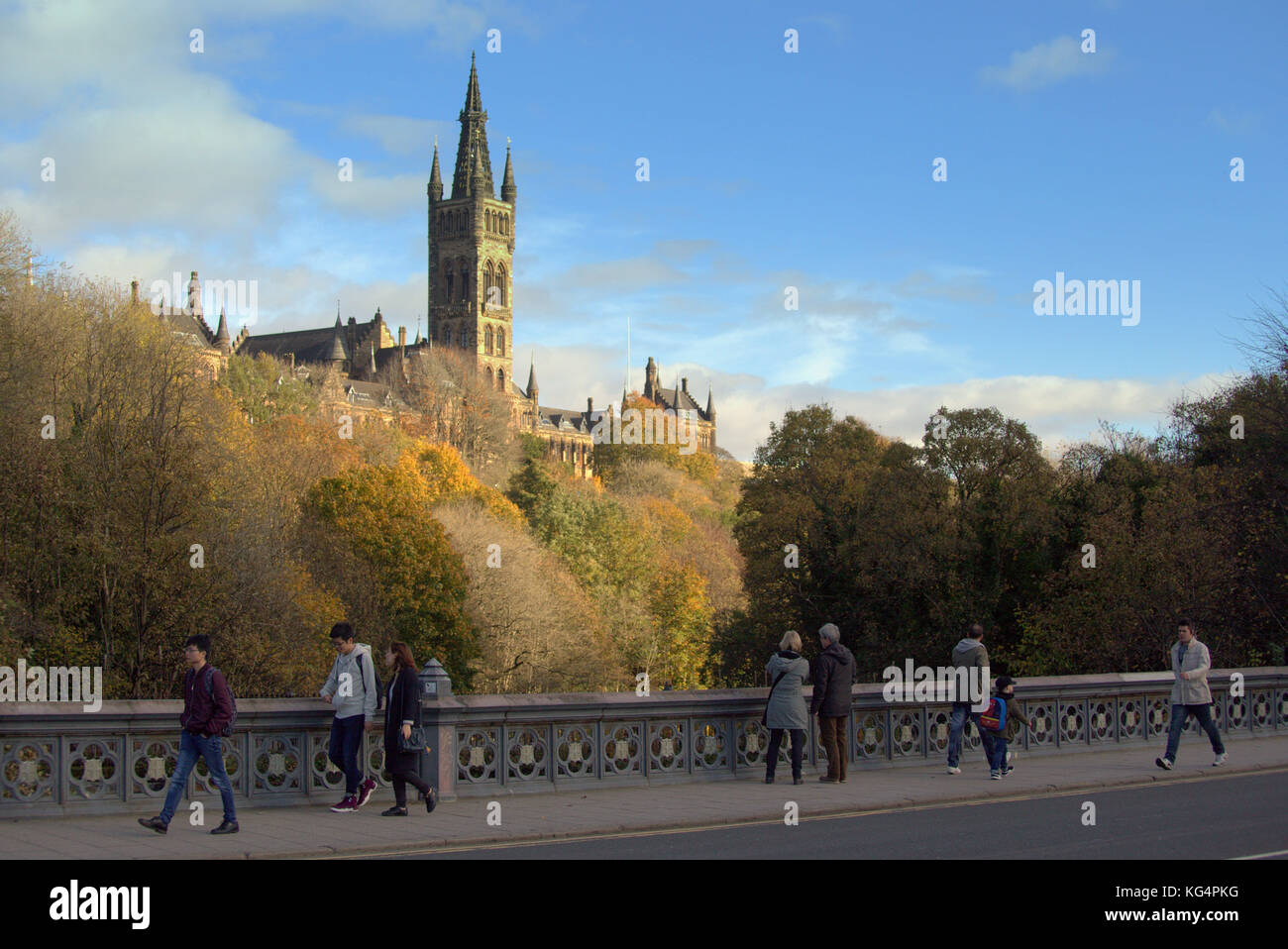 glasgow university  vista view kelvingrove park  in the Autumn and the river kelvin viewed from partick bridge - Stock Image