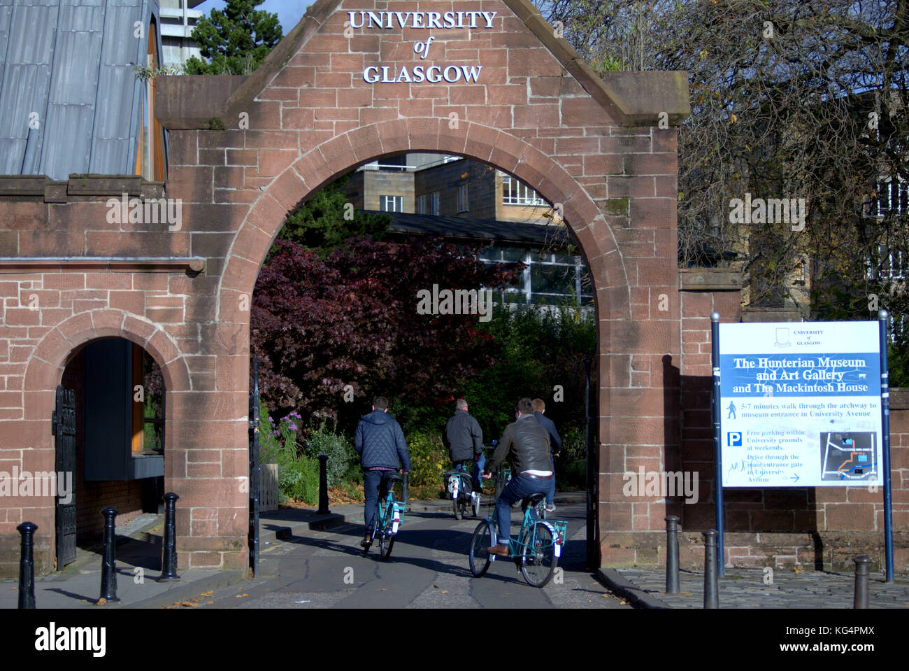 glasgow university  entrance sign kelvingrove park  in the Autumn viewed from partick bridge - Stock Image