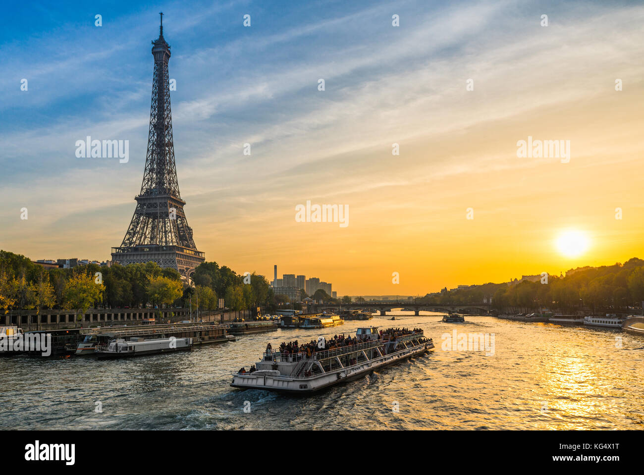 Sunset at the Eiffel tower, Paris - Stock Image
