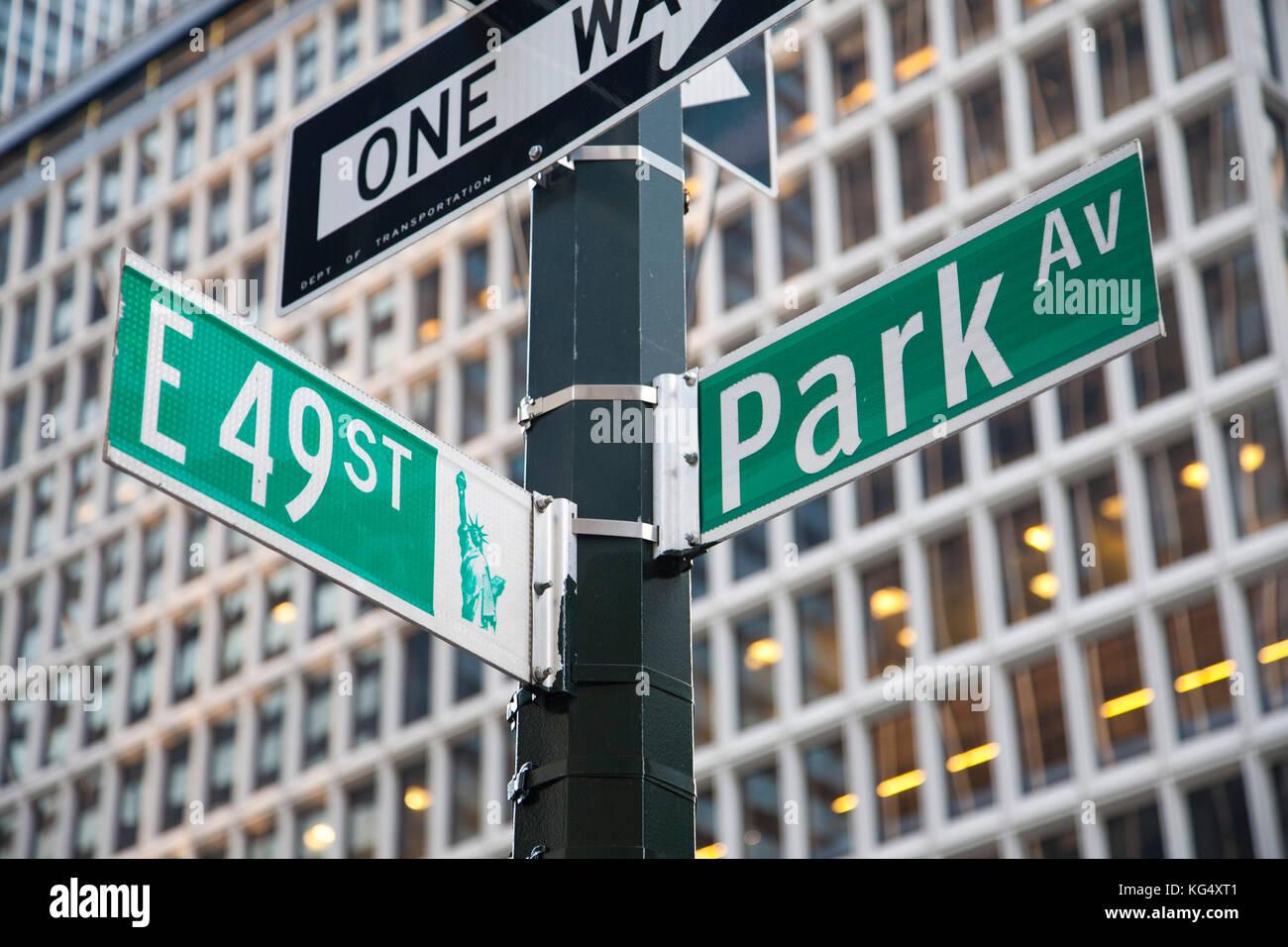 signboard, Park avenue, skyscraper, midtown, manhattan, new york, usa, america - Stock Image