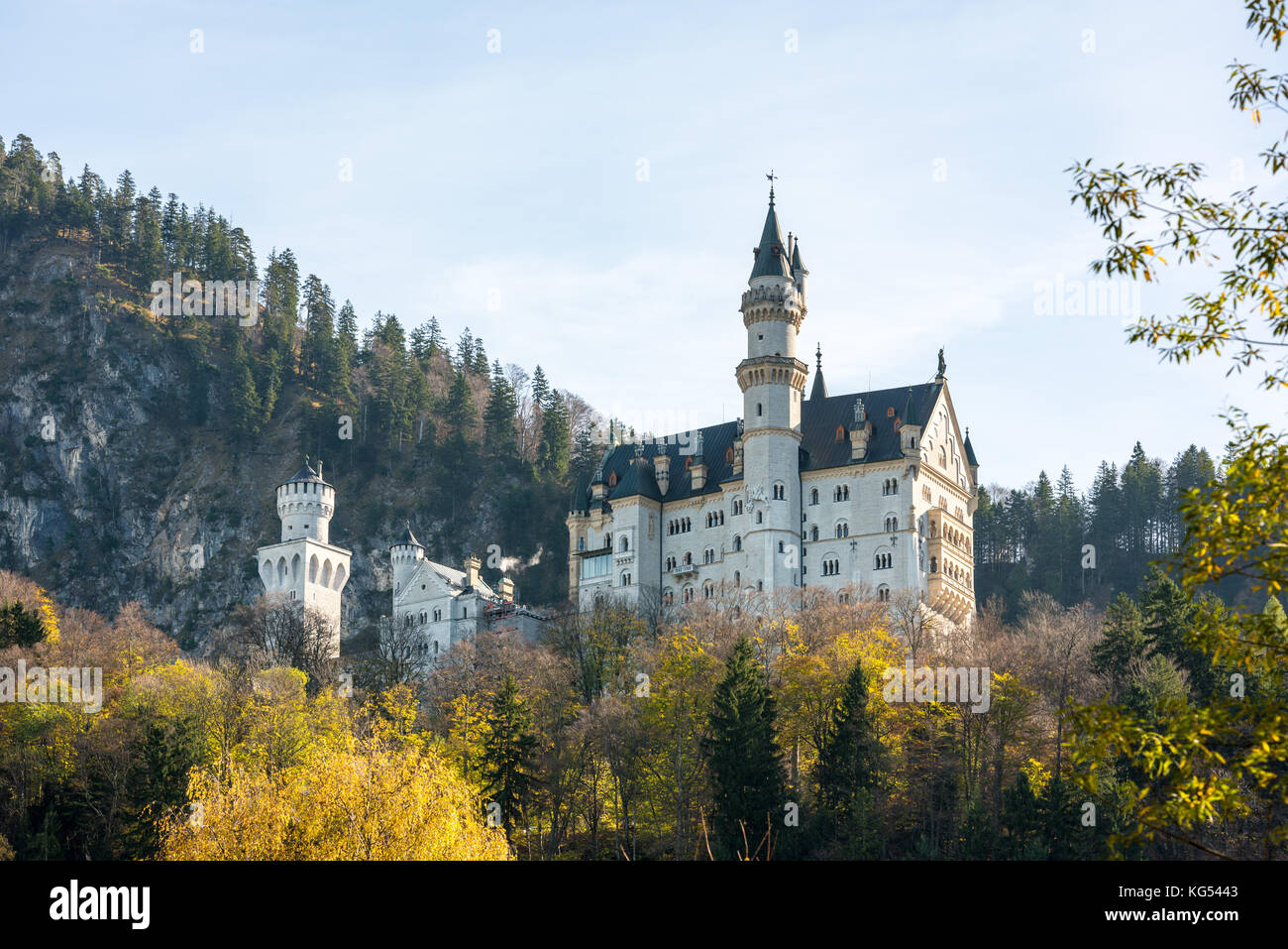 Beautiful view of world-famous Neuschwanstein Castle - Stock Image