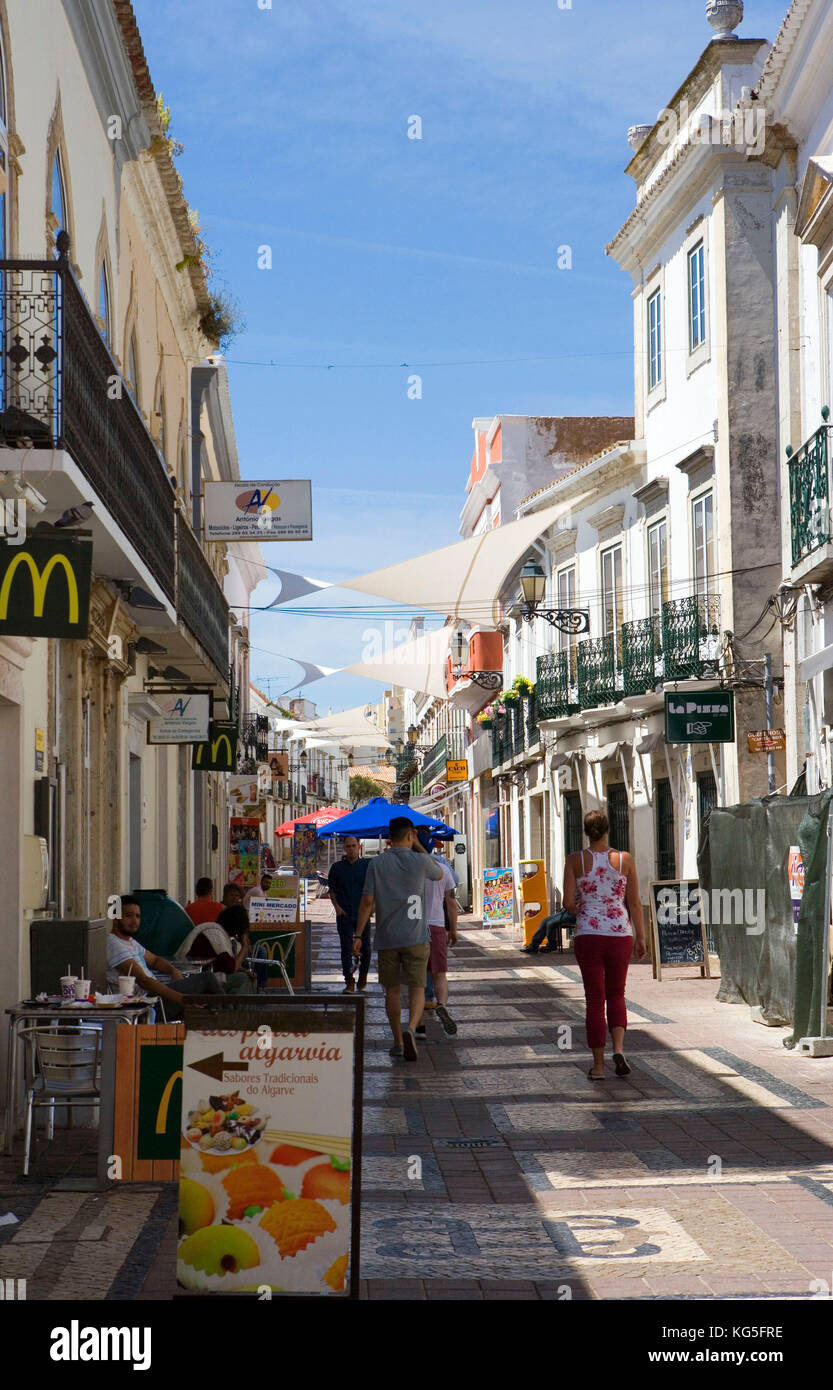 Faro, street in the purchasing fourth, with shops, cafés, restaurants - Stock Image