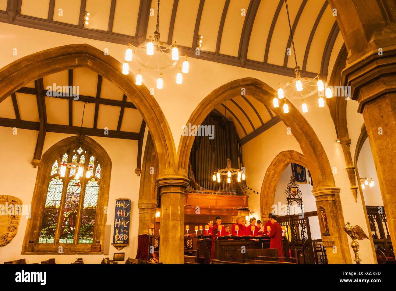 England, Oxfordshire, Oxford, St Michael at the North Gate Church, Choir Singing - Stock Image