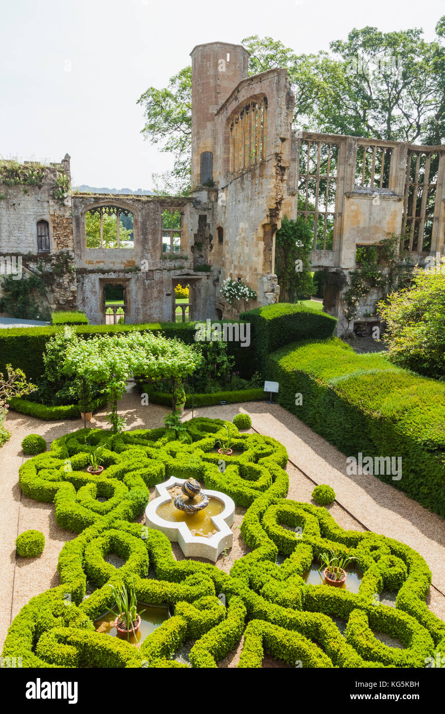 England, Cotswolds, Gloucestershire, Winchcombe, Sudeley Castle, The Knot Garden and Ruins of the Original State - Stock Image