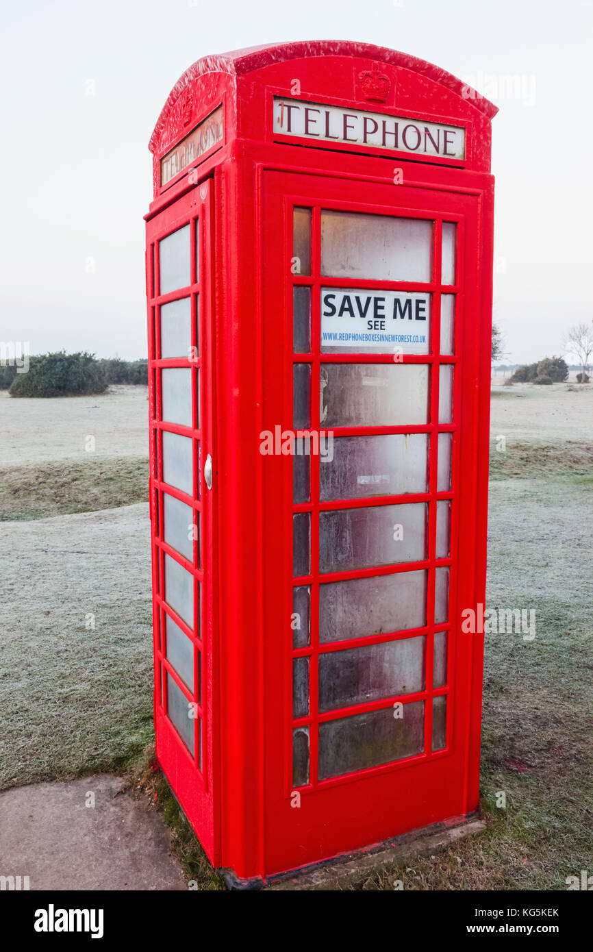 England, Hampshire, The New Forest, Traditional Red Telephone Box - Stock Image