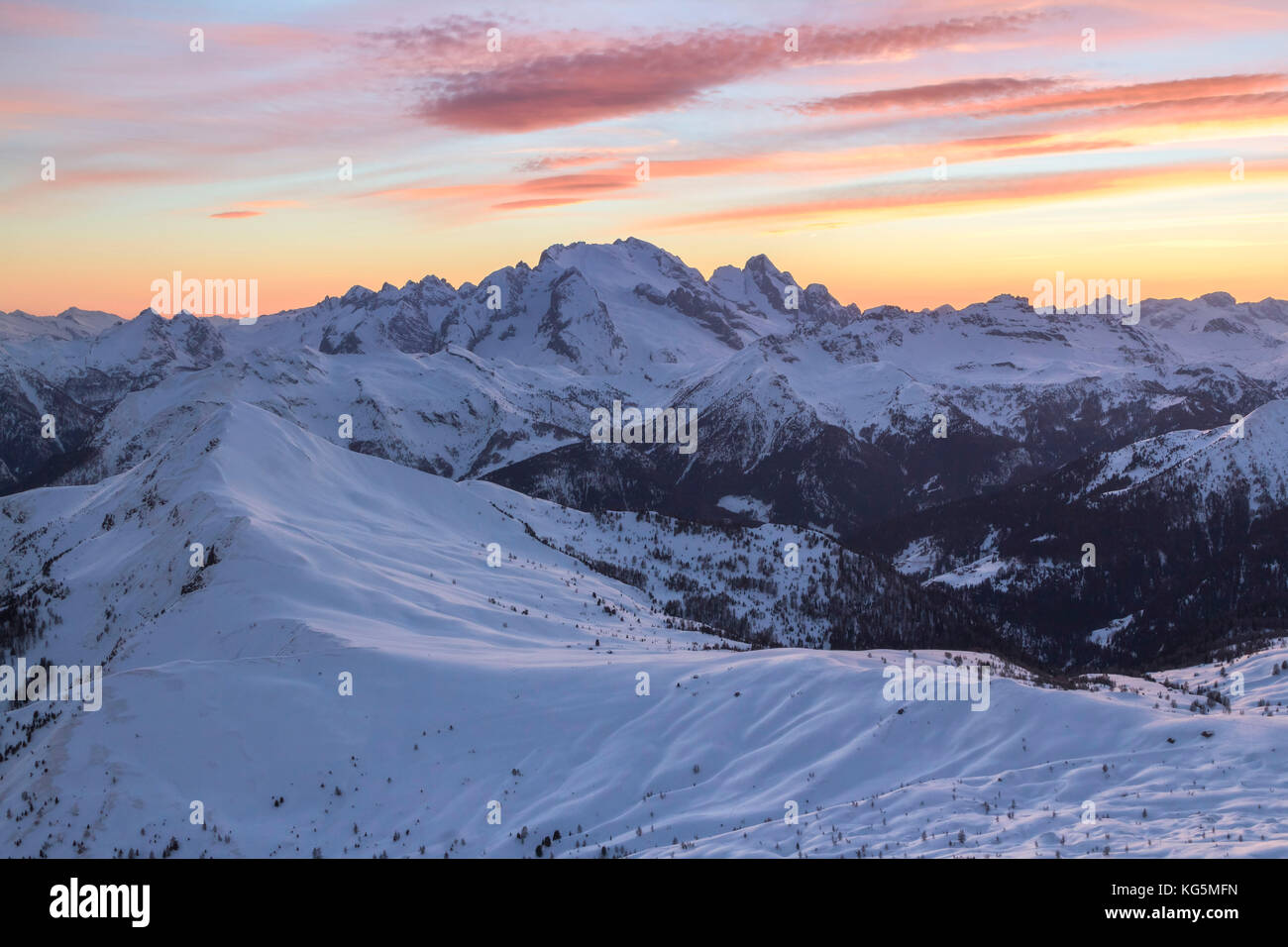 Europe, Italy, veneto, Belluno. Winter landscape from Nuvolau peak towards Marmolada and mount Pore in foreground, Stock Photo