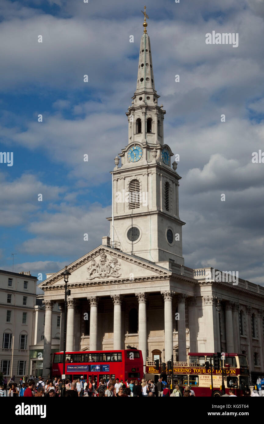 The sun shines on Saint Martin's in the Field located in Trafalgar Square, London, England. - Stock Image