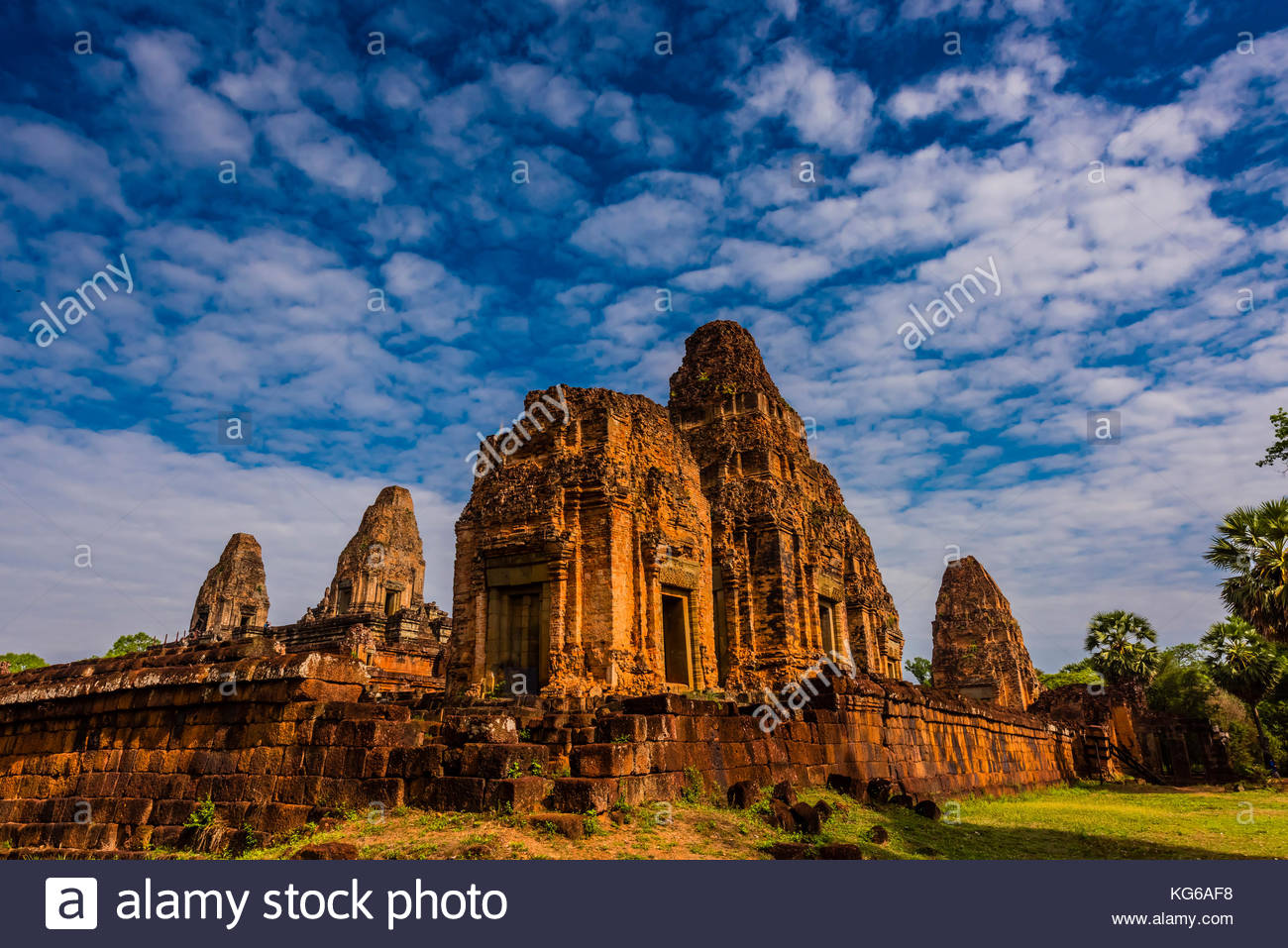 Pre Rup is a Hindu temple at Angkor, Cambodia, built as the state temple of Khmer king Rajendravarman and dedicated - Stock Image