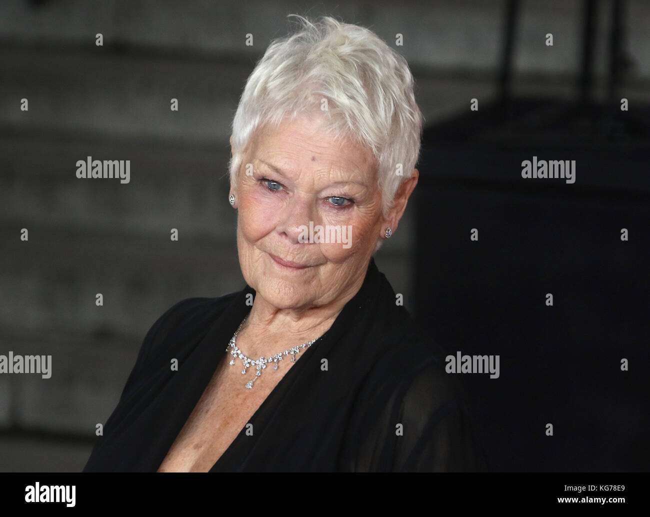 London, UK. 2nd November, 2017. Dame Judi Dench attends the Murder on the Orient Express film premiere Stock Photo