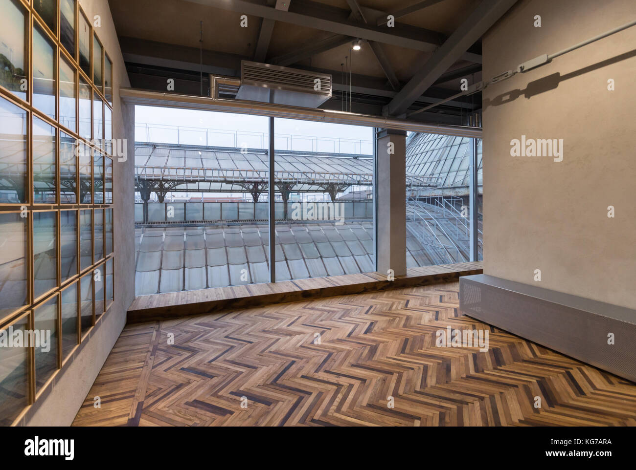 Milano Osservatorio, Observatory, Prada Foundation, photography exhibition space & gallery, Galleria Vittorio - Stock Image