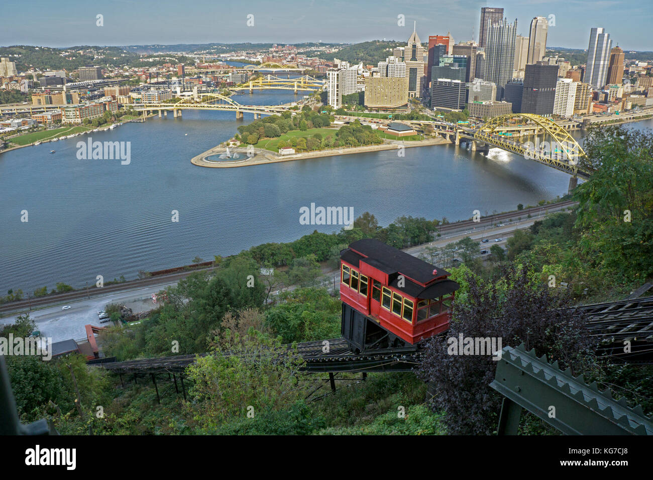 The downtown skyline of Pittsburgh, Pennsylvania as seen from Mount Washington on the city's South Side. A red - Stock Image