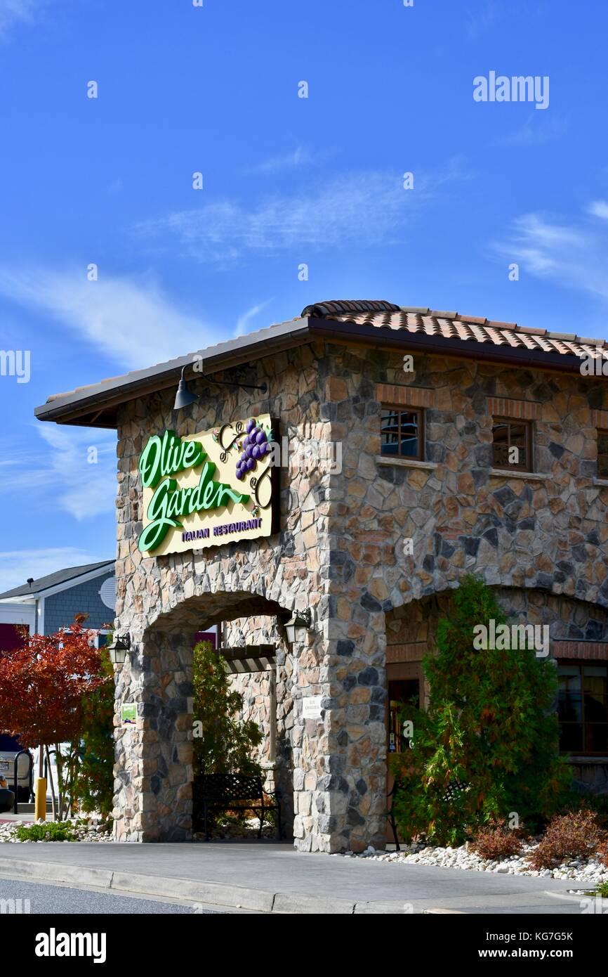 Olive garden restaurant stock photos olive garden restaurant stock images alamy for Olive garden manhattan beach ca