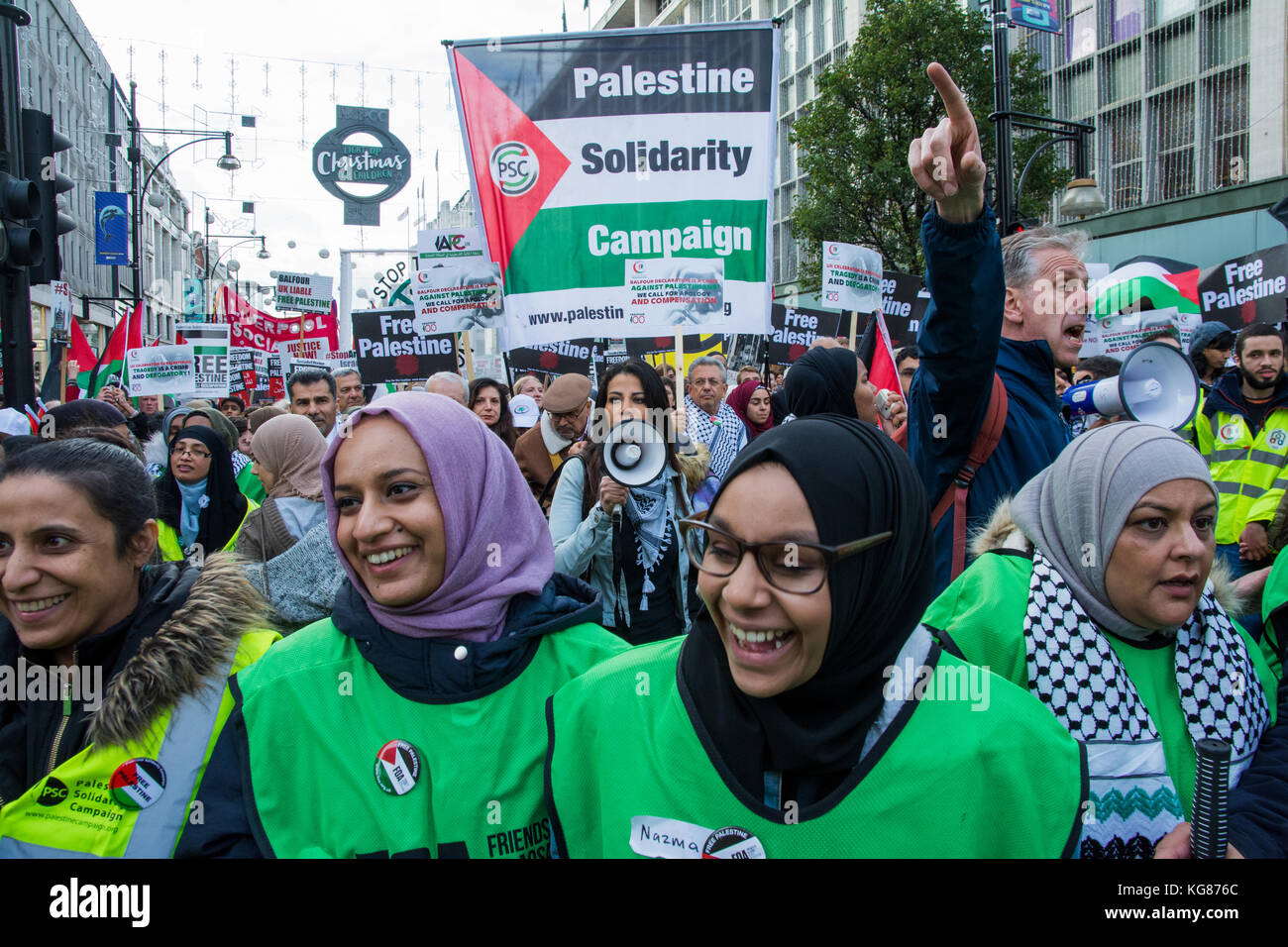 London, UK. 4th November 2017. Make It Right For Palestine - National March and Rally, from Grosvenor Square through - Stock Image