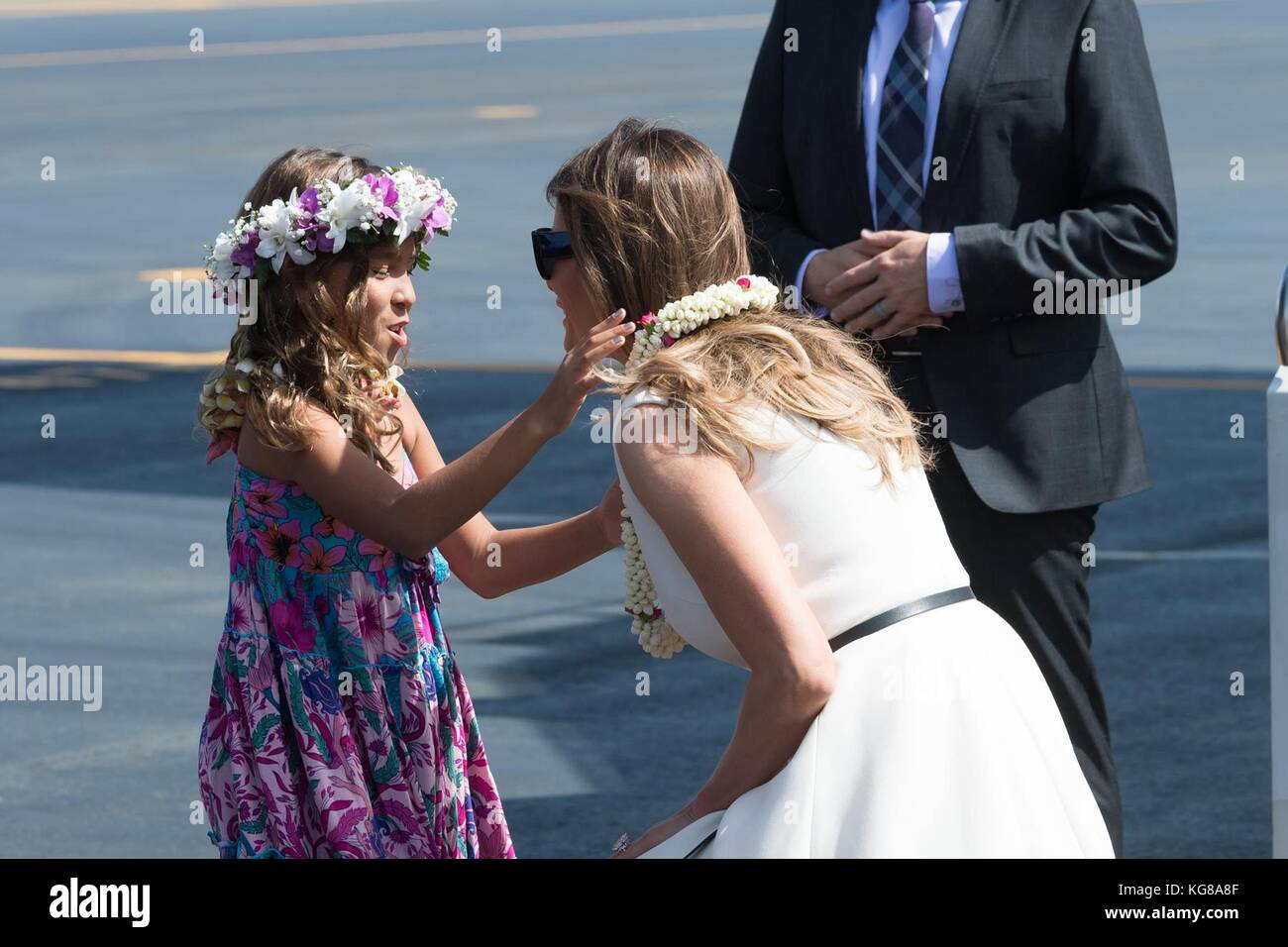 Honolulu, United States Of America. 04th Nov, 2017. U.S First Lady Melania Trump is presented with a flower lei - Stock Image