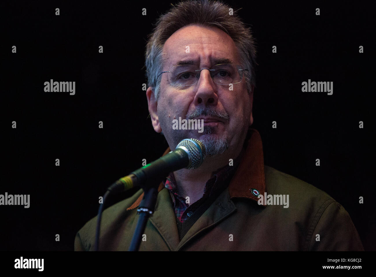 London, UK. 4th November, 2017. John Rees, broadcaster, writer and national officer of Stop The War Coalition, addresses Stock Photo