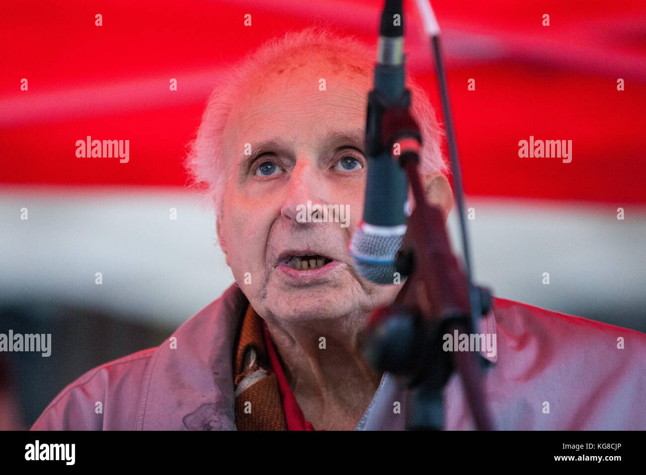 London, UK. 4th November, 2017. Walter Wolfgang, Vice-President and Vice Chair of Labour of the Campaign for Nuclear - Stock Image