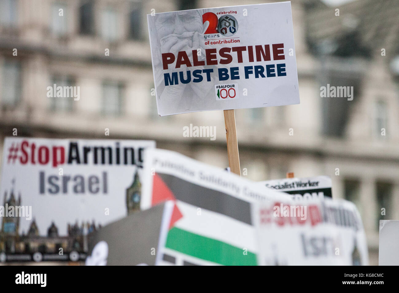 London, UK. 4th November, 2017. Placards held by campaigners for Palestine marching through London to demand justice Stock Photo