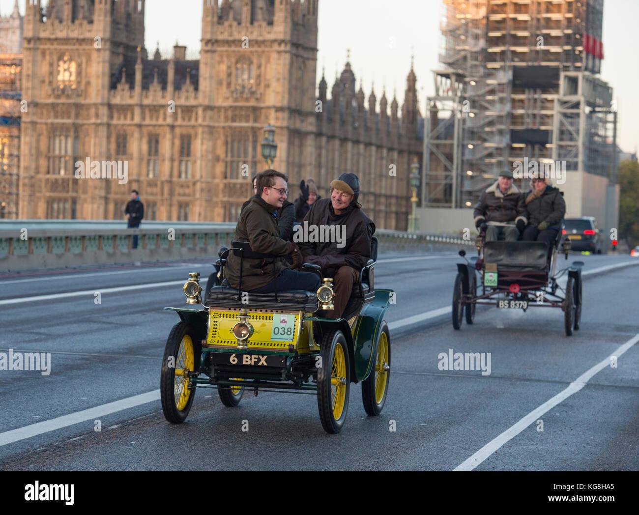 Westminster Bridge, London, UK. 5 November, 2017. Bonhams London to Brighton veteran car run supported by Hiscox, - Stock Image