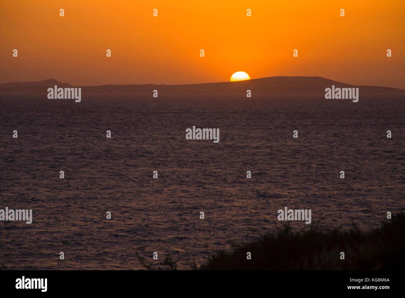 Sonnenuntergang ueber dem aegaeischen Meer bei Naxos, Kykladen, Aegaeis, Griechenland, Mittelmeer, Europa   Sunset Stock Photo