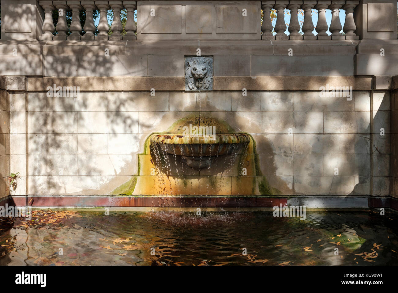 The Spanish Steps fountain, the only D.C. park to occupy a city street. A pedestrian passageway in the Kalorama - Stock Image