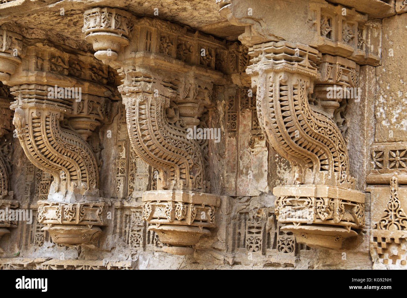 Carving details on the outer wall of Sai Masjid (Mosque), Ahmedabad, Gujarat, India - Stock Image
