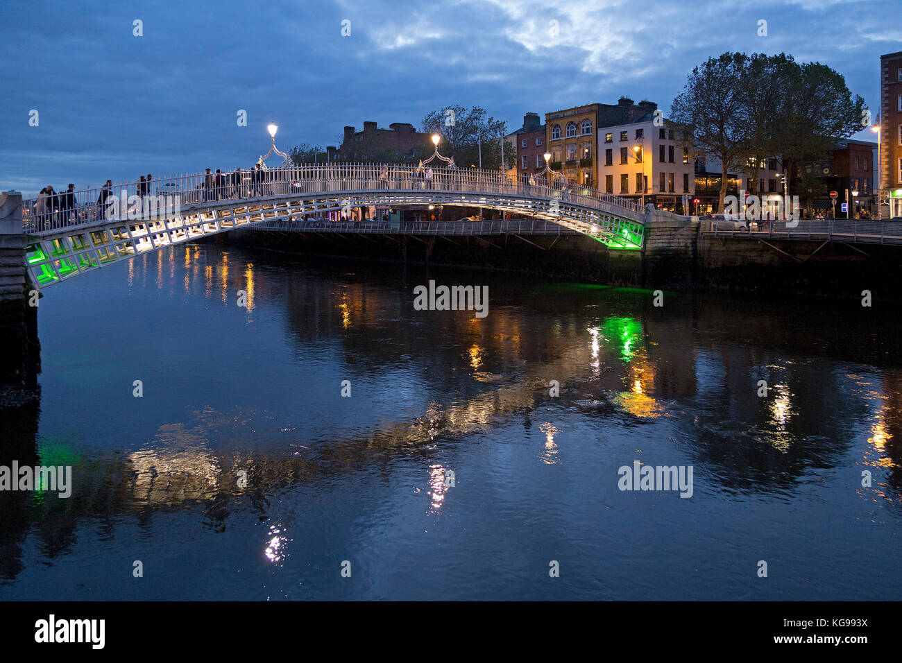 Halfpenny Bridge, Dublin, Ireland - Stock Image