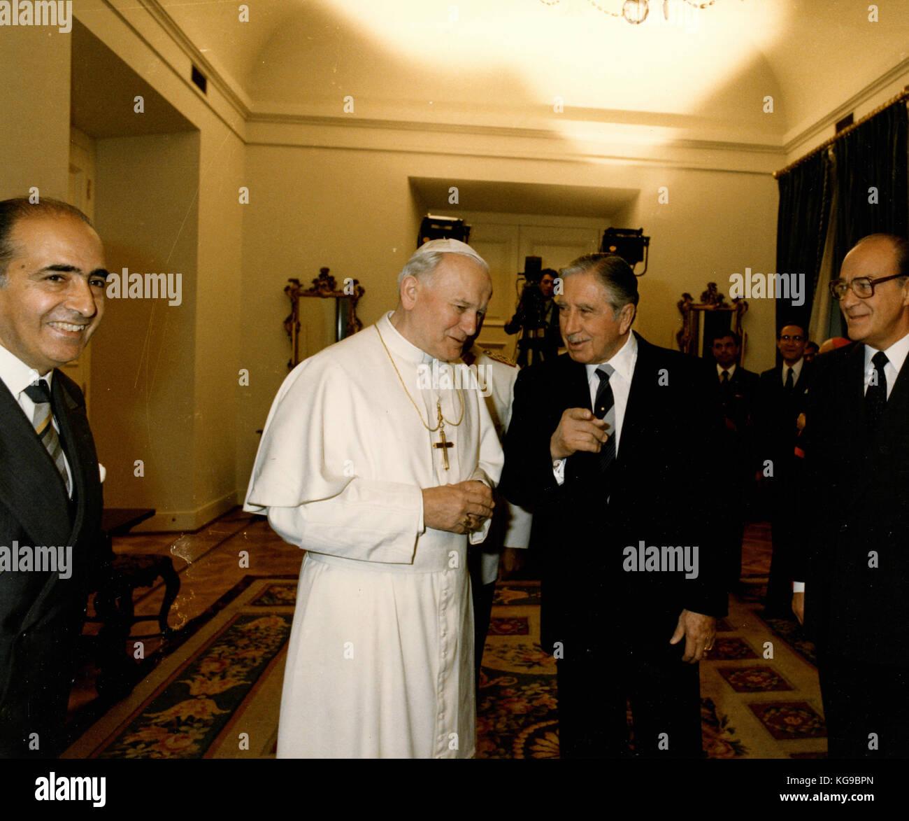 Pope John Paul I and Chile President General Augusto Pinochet, 1987 - Stock Image