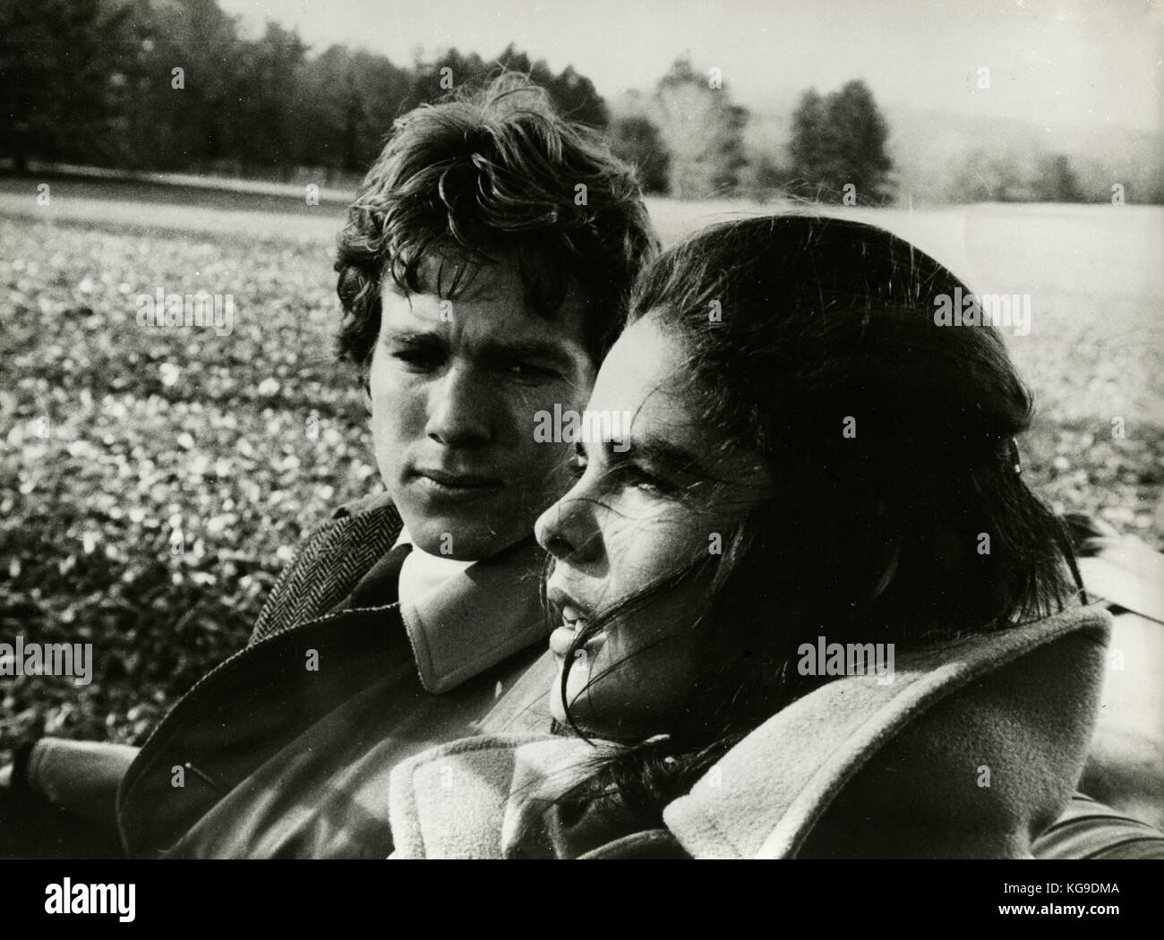 Actors Ryan O' Neal and Ali MacGrow in the movie Love Story, 1970 - Stock Image