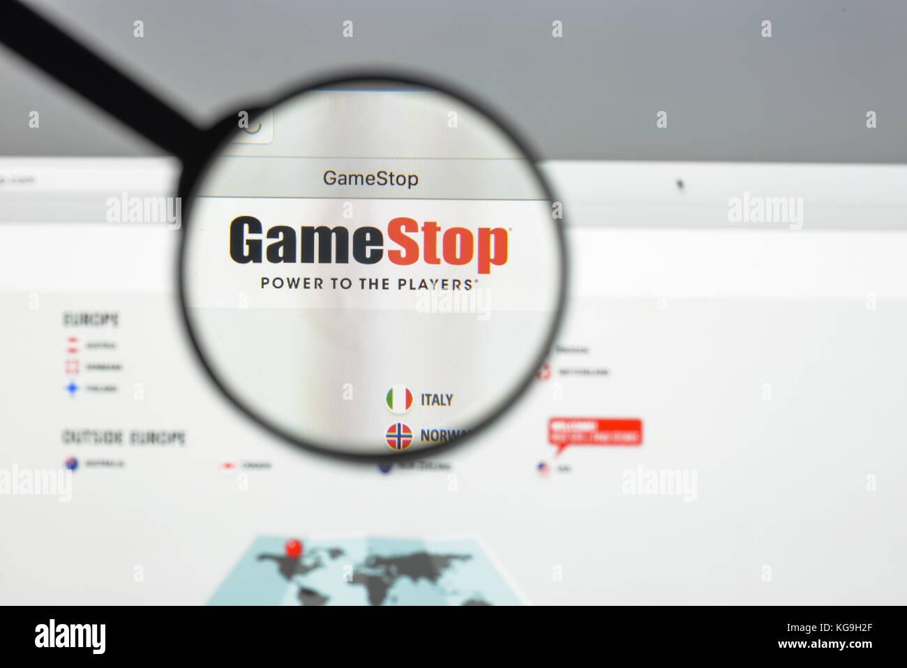 Gamestop Store Stock Photos & Gamestop Store Stock Images - Alamy